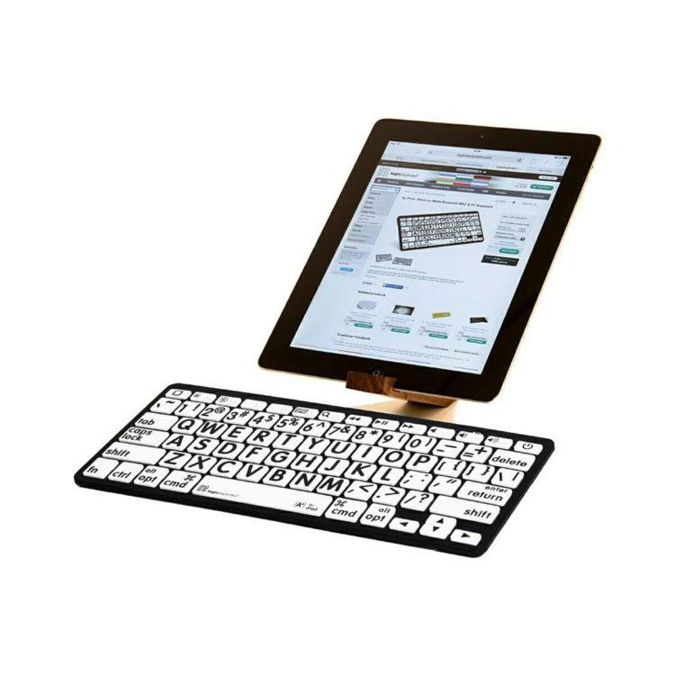 Apple bluetooth grootletter toetsenbord witte achtergrond ST683172